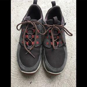 Men's Teva Sneakers Sz 10 with suede Trim